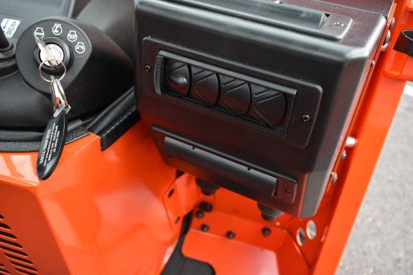 Kubota BX80 Cab